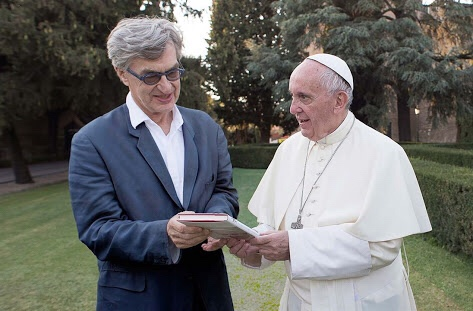 Win Wenders estrena con éxito en Cannes documental sobre Papa Francisco