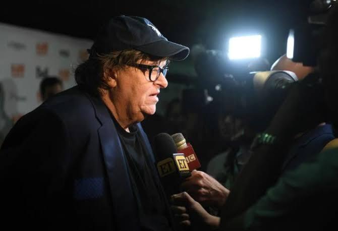 Trump y el declive de la democracia, según Michael Moore
